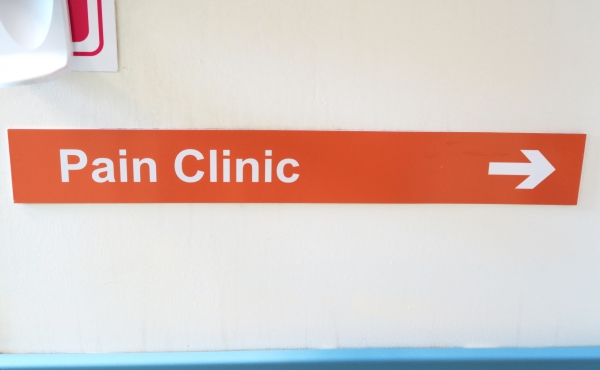 Pain clinic sign